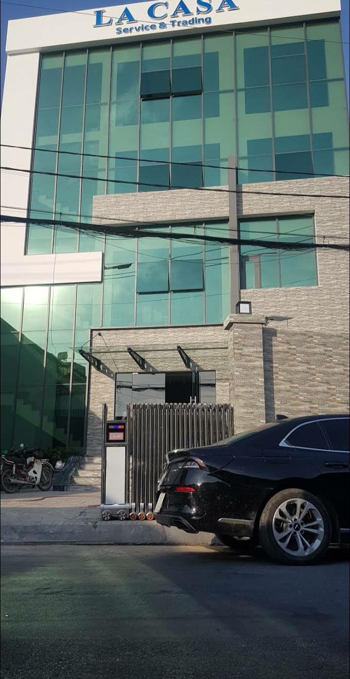CHO THUÊ PHÒNG HỌP VĂN PHÒNG LA CASA BUILDING Ở HUYỆN HÓC MÔN - TP HỒ CHÍ MINH - Ảnh 1