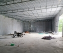Cho thuê kho xưởng tại đê Cự Khối, Long Biên 500m giá 90k/m