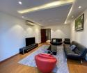 Cho thuê căn hộ mặt phố Trúc Bạch, tầng 6, 150m2, 1200$/ tháng (TL)