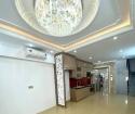 Bán nhà Nguyễn Văn Cừ,42m,6 tầng,mt 3,8m. Giá 7,5 tỷ.