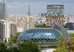 Tòa nhà hình cầu có thể xoay theo hướng mặt trời ở Paris